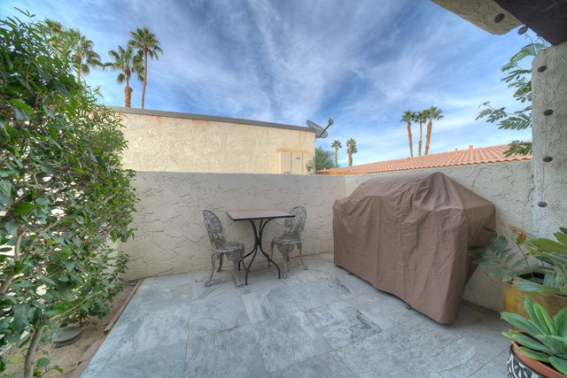 73415 Shadow Mountain Drive, Palm Desert CA: http://media.crmls.org/mediaz/9B579328-06B9-407D-B10E-A25241256322.jpg