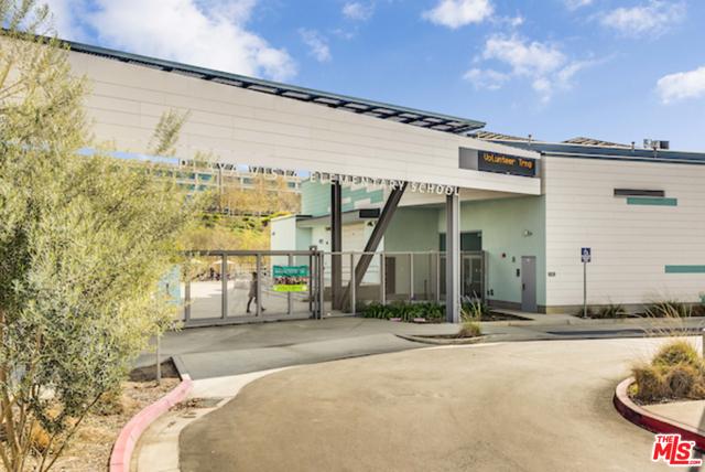 6241 Crescent Parkway, Playa Vista CA: http://media.crmls.org/mediaz/9B710A7F-3705-4170-B05B-51B31D766538.jpg