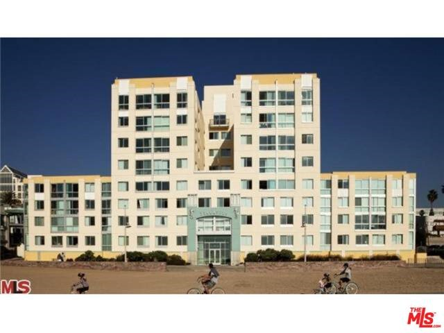 Condominium for Rent at 1725 Ocean Front Walk Santa Monica, California 90401 United States