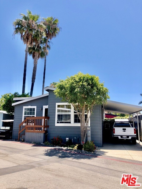 193 Paradise Cove Rd., Malibu CA: http://media.crmls.org/mediaz/9B7DA6A8-F2DF-4180-AEE1-7D49C96EA51E.jpg