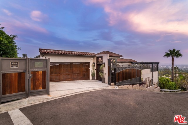 1380 Summitridge Place  Beverly Hills CA 90210