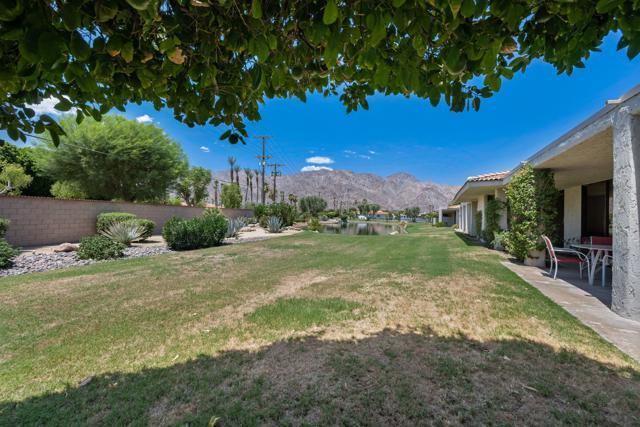 78181 Lago Drive, La Quinta CA: http://media.crmls.org/mediaz/9BF837AA-695E-491C-9A66-5FABE8FD5FEF.jpg