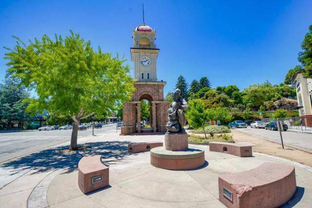 123 Blaine Street, Santa Cruz CA: http://media.crmls.org/mediaz/9BFD1131-5C1D-4D0F-990D-CFE0F1A852D1.jpg