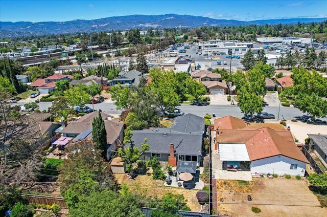 1758 Heron Avenue, Sunnyvale CA: http://media.crmls.org/mediaz/9C129D86-6B96-4F2F-A756-75D224C95826.jpg