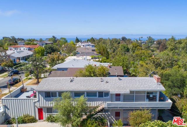 677 Las Lomas Avenue  Pacific Palisades CA 90272