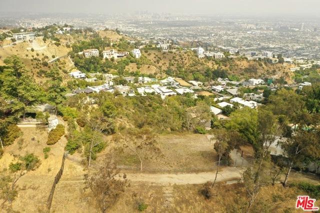 9229 Crescent Drive, Los Angeles CA: http://media.crmls.org/mediaz/9C318F68-161A-4287-8A96-ECDEA8968F80.jpg
