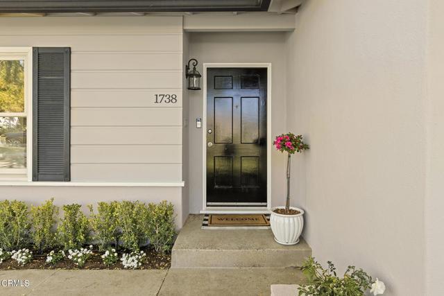 1738 N Roosevelt Avenue, Altadena CA: http://media.crmls.org/mediaz/9CA7C8E9-F699-46AA-ACDD-772552439CDA.jpg