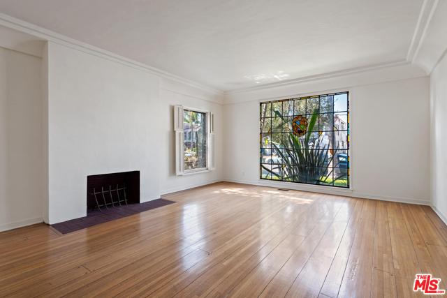 1020 S ALFRED Street, Los Angeles CA: http://media.crmls.org/mediaz/9D22A542-C8B4-45BA-B368-3768C4DE9C95.jpg