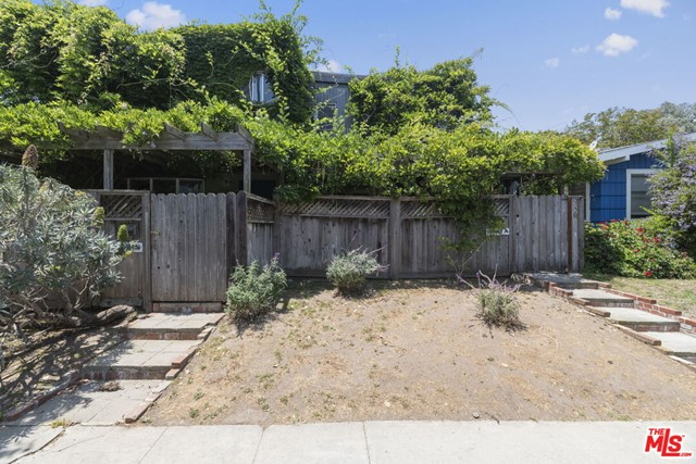 2520 5Th St, Santa Monica, CA 90405