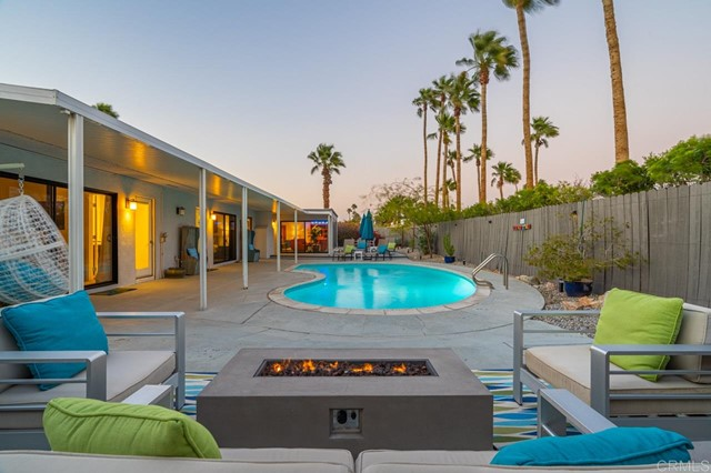 Detail Gallery Image 1 of 1 For 2410 N Aurora Dr, Palm Springs,  CA 92262 - 4 Beds | 2 Baths