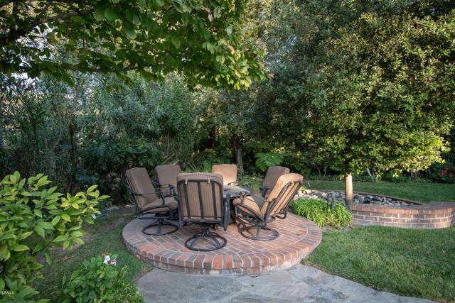 511 Berkshire Avenue, La Canada Flintridge CA: http://media.crmls.org/mediaz/9DDF9222-0A2F-4E2F-8965-7979D5DCAD62.jpg