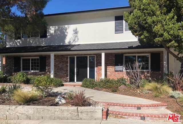 Photo of 22711 LIBERTY BELL Road, Calabasas, CA 91302