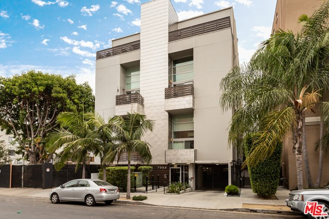Photo of 7062 HAWTHORN Avenue #201, Los Angeles, CA 90028