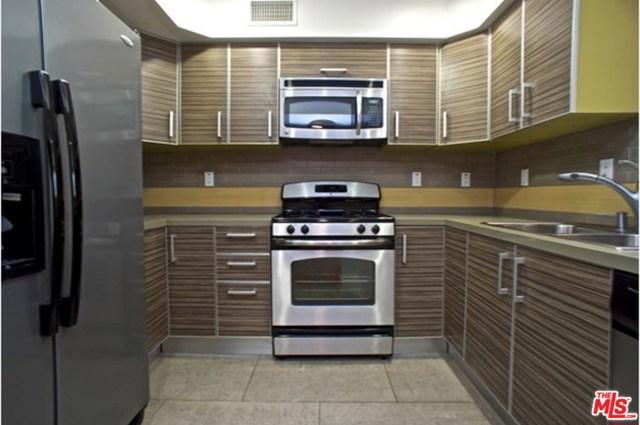 833 edinburgh, Los Angeles CA: http://media.crmls.org/mediaz/9E926662-AA43-4117-893B-F725A04D020B.jpg