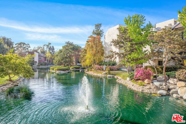 4208 Summertime Lane, Culver City CA: http://media.crmls.org/mediaz/9E94CC8E-8BF3-43E8-B2B4-10B01DF53CCC.jpg