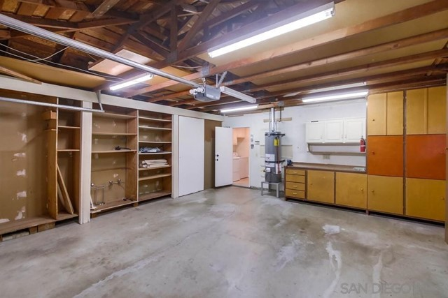 6240 Brynwood Ct, San Diego CA: http://media.crmls.org/mediaz/9f9f07af-fd99-4a27-904f-fd41a78aa707.jpg