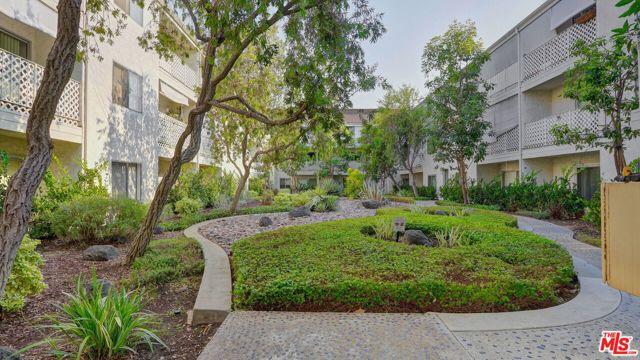 3565 Linden Avenue, Long Beach CA: http://media.crmls.org/mediaz/A01C2D49-5AB4-43AF-A030-38C6AAF4142C.jpg