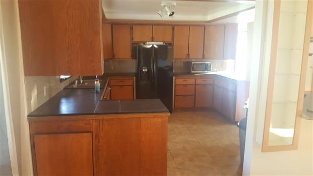 2247 COUNTRY CREEK ROAD, San Marcos CA: http://media.crmls.org/mediaz/A05ABC9F-8B68-49DA-B18B-2DD25CE66F5C.jpg