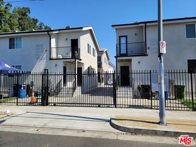 14711 Saticoy Street, Van Nuys CA: http://media.crmls.org/mediaz/A05E2A98-0E76-4B34-93C1-F5DCB4F08F65.jpg