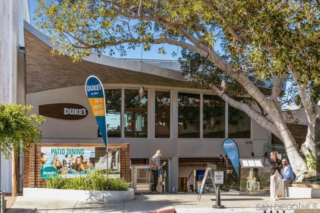 7811 Eads Avenue, La Jolla CA: http://media.crmls.org/mediaz/A075B0A4-ED9A-4828-8FBD-37CB68EC7F56.jpg