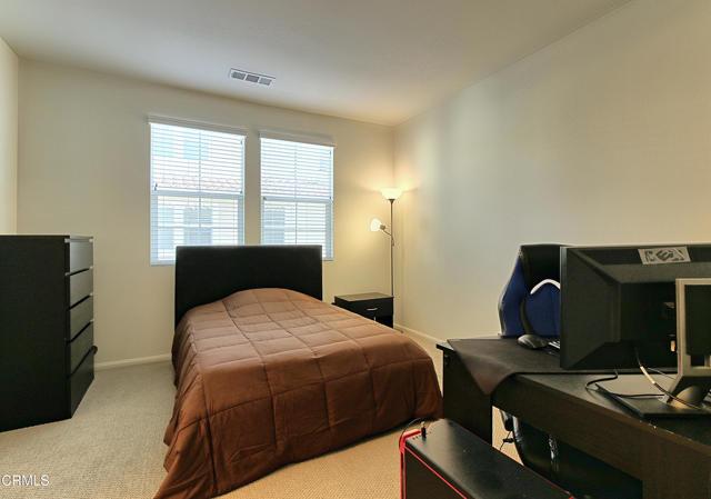 437 Castiano Street, Camarillo CA: http://media.crmls.org/mediaz/A0764216-C166-40C1-9580-4EE642DEB17E.jpg