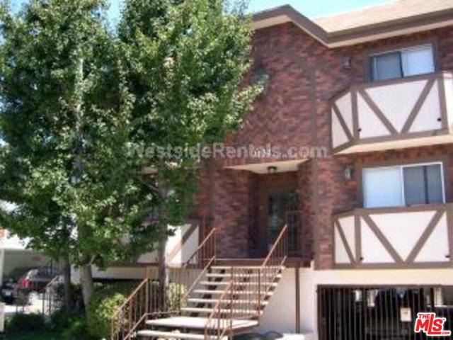 1132 S Bedford Street, Los Angeles CA: http://media.crmls.org/mediaz/A0BEF72A-BD92-40AC-BA39-850F0DA573DA.jpg