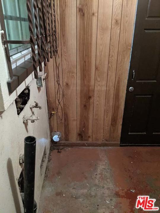 332 W Laurel Street, Compton CA: http://media.crmls.org/mediaz/A0D5338F-C17D-423F-A4CE-EB4B8611FAEE.jpg