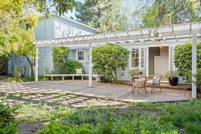 4221 Wilkie Way, Palo Alto CA: http://media.crmls.org/mediaz/A0F71107-4F40-4439-BC50-6BA4CB6E8EDC.jpg