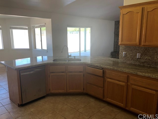 24030 Cahuilla Road, Apple Valley CA: http://media.crmls.org/mediaz/A102C575-ABF8-4539-986E-4FC77FBCD9E4.jpg