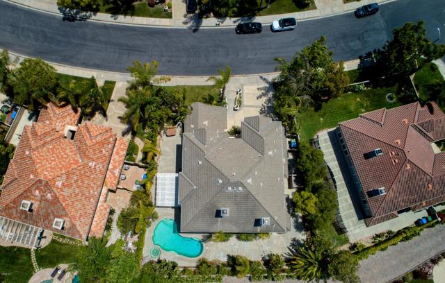 2523 Montecito Avenue, Westlake Village CA: http://media.crmls.org/mediaz/A124B1DE-BA2A-469D-BD7F-73A94988A27E.jpg