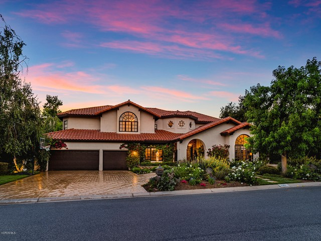 Photo of home for sale at 1351 Falling Star Avenue, Westlake Village CA