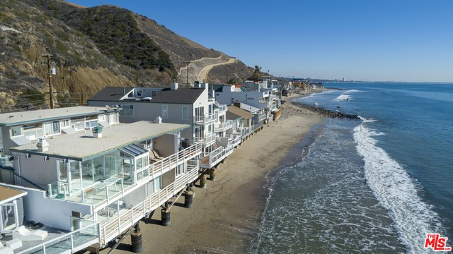 19046 Pacific Coast Hy, Malibu, CA 90265 Photo