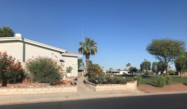 38560 Poppet Canyon Drive, Palm Desert CA: http://media.crmls.org/mediaz/A19E687D-1AE2-426F-A76E-7D1B0AB7101A.jpg