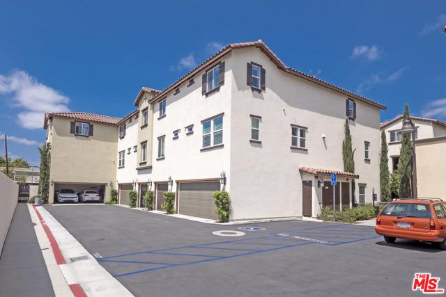 1530 W 1St Street, Santa Ana CA: http://media.crmls.org/mediaz/A1BC1D12-1E6B-49A9-BE72-F2BE13777796.jpg