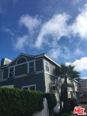 Townhouse for Rent at 4702 165th Street W Lawndale, California 90260 United States