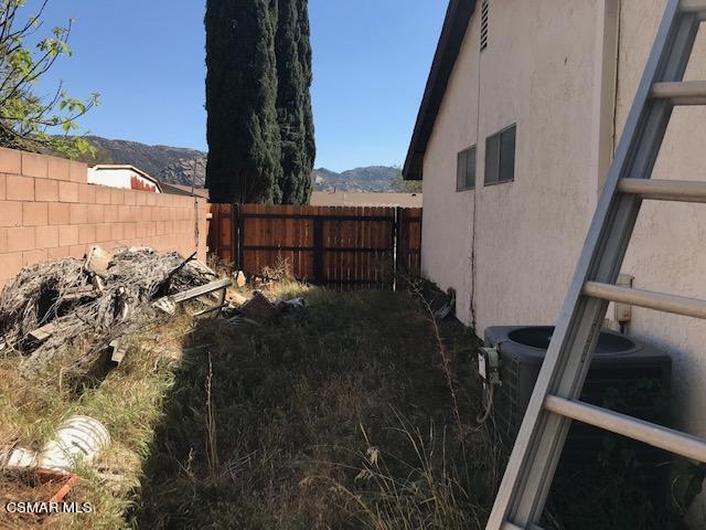6405 Keystone Street, Simi Valley CA: http://media.crmls.org/mediaz/A1E0BD83-A554-4742-BC16-751AF4C73977.jpg