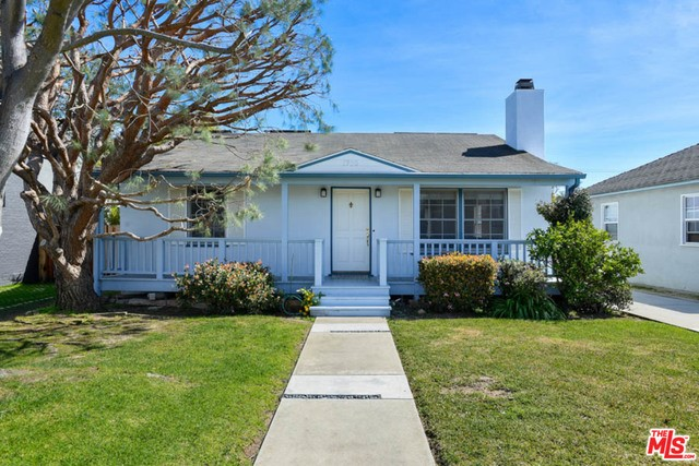 Single Family Home for Rent at 1720 Maple Street Santa Monica, California 90405 United States