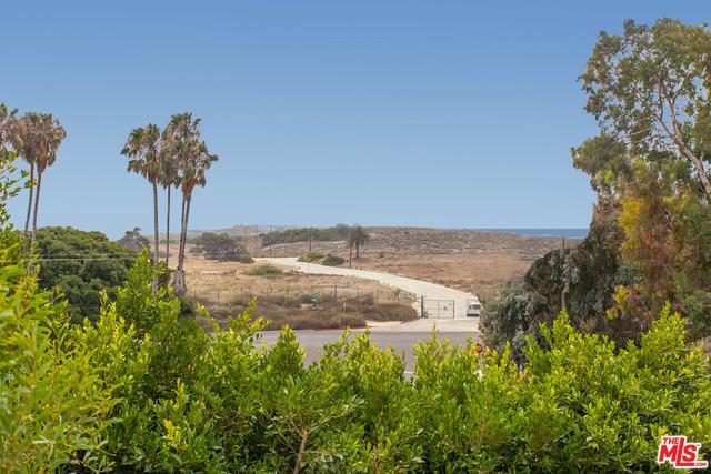 7548 Trask Ave, Playa del Rey, CA 90293 photo 2