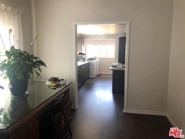 3520 E 6Th Street, Los Angeles CA: http://media.crmls.org/mediaz/A2B87D59-A2E3-42EB-87E8-5BC6980F5BB5.jpg