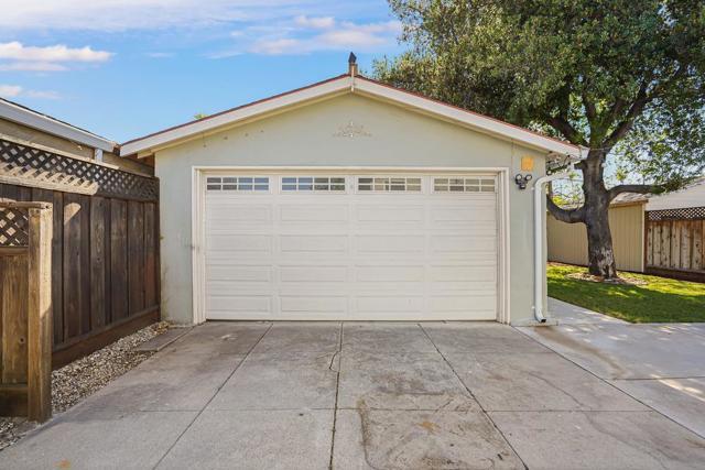 479 8th Street, San Jose CA: http://media.crmls.org/mediaz/A2E11FAC-90CE-412E-A4C9-DD2D60349C35.jpg