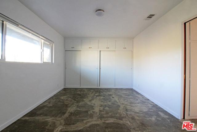 4110 Division Place, Los Angeles CA: http://media.crmls.org/mediaz/A2F44901-5121-4C80-859C-CE80F61ECEC3.jpg