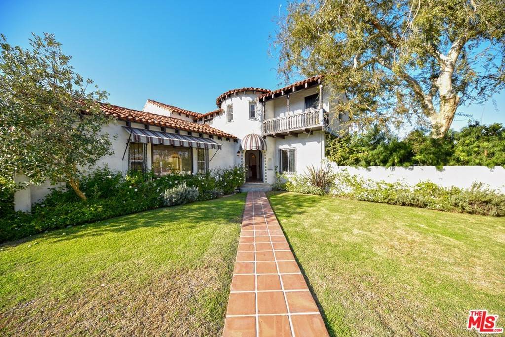 3605 Country Club Drive #  Los Angeles CA 90019