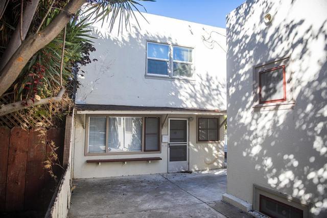 940 San Benito Street, Hollister CA: http://media.crmls.org/mediaz/A3004DA1-9771-4EE0-832A-B140C4B70C99.jpg