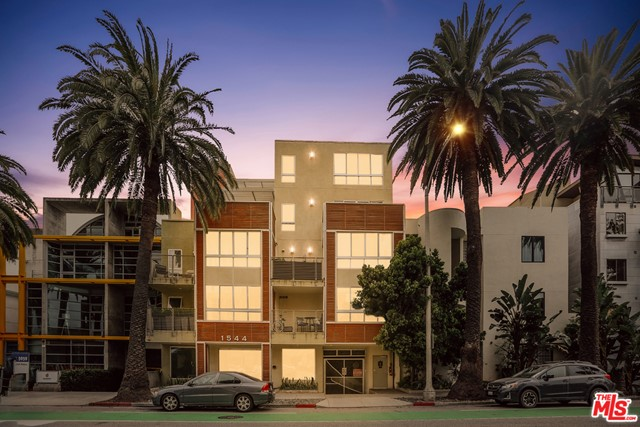 1544 7TH 11A Santa Monica CA 90401