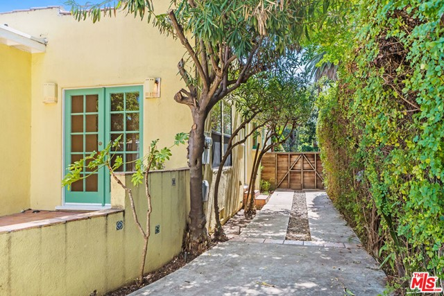 2238 Walnut Ave, Venice, CA 90291 photo 22