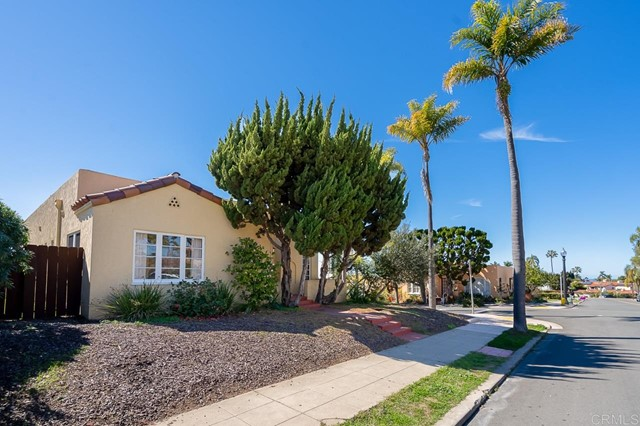 2345 Presidio Drive, San Diego CA: http://media.crmls.org/mediaz/A36EC8B0-F5C4-4A3B-BC15-A867CF35657C.jpg