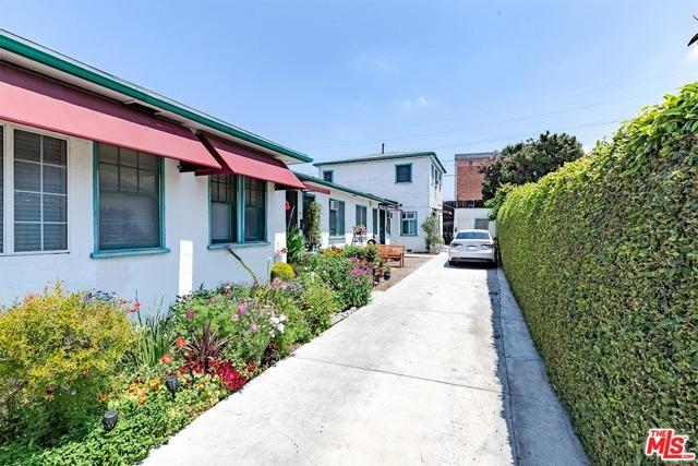 550 N Manhattan Place, Los Angeles CA: http://media.crmls.org/mediaz/A3CEA026-3C8B-4B36-AF46-1B4F09D332BD.jpg