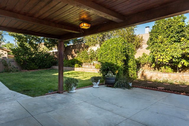 2292 Jonesboro Avenue, Simi Valley CA: http://media.crmls.org/mediaz/A3E21E37-A5F5-4B48-BDF1-5E643CF35F5B.jpg