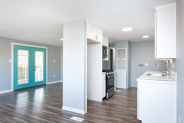 Detail Gallery Image 1 of 28 For 2950 Iris Ave. #45, San Diego,  CA  - 3 Beds | 2 Baths