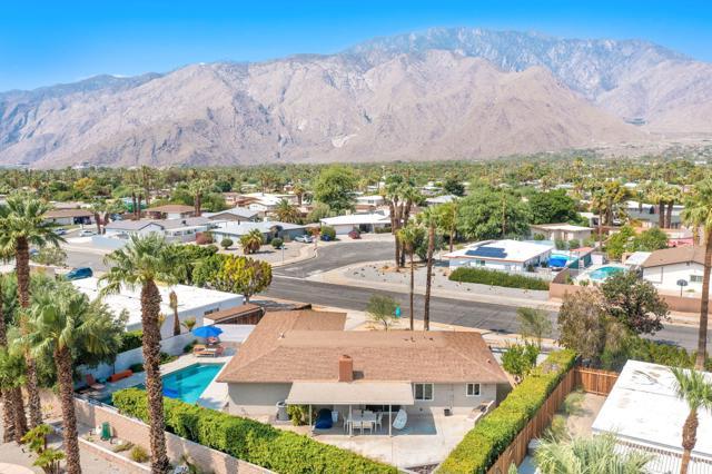 2390 N Aurora Drive, Palm Springs CA: http://media.crmls.org/mediaz/A471D5AA-A8EB-42F8-A6FE-9A086EBD8F6B.jpg
